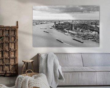 Rivier de maas in Rotterdam von Ilya Korzelius