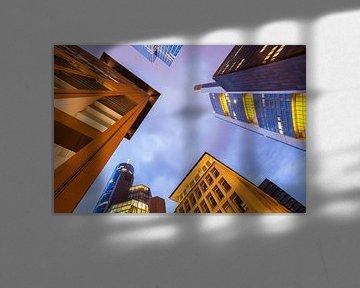 Bankwijk in Frankfurt 's nachts van Werner Dieterich