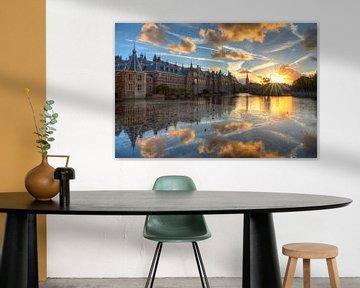 Binnenhof se reflétant dans l'étang de Hof au coucher du soleil sur Rob Kints