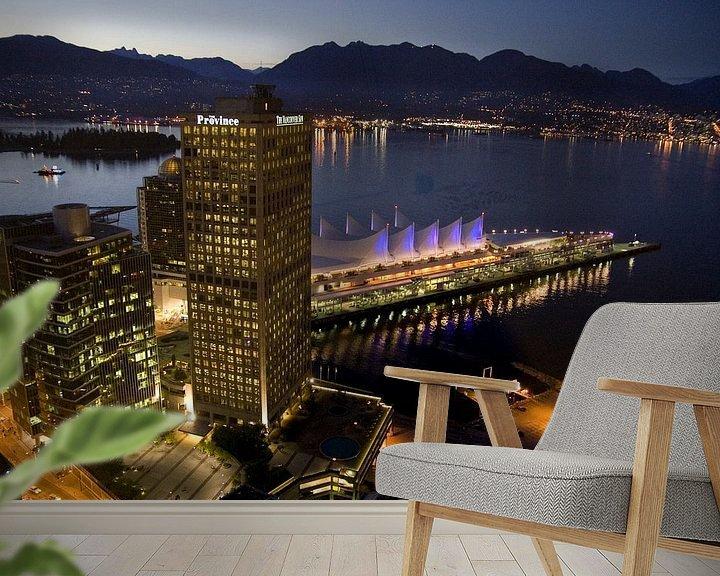Sfeerimpressie behang: Skyline of Vancouver  van Karin Hendriks Fotografie