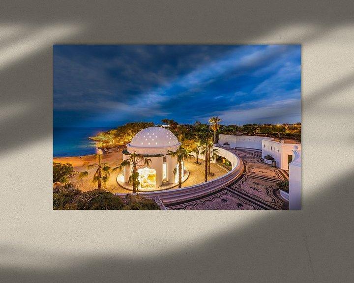 Sfeerimpressie: Kalithea thermale baden op het eiland Rhodos 's nachts van Werner Dieterich