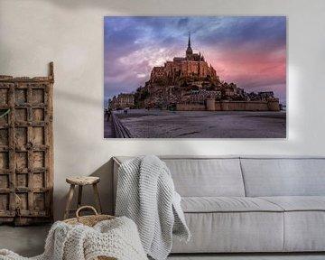 Mont Saint-Michel tijdens zonsondergang van John Ouds