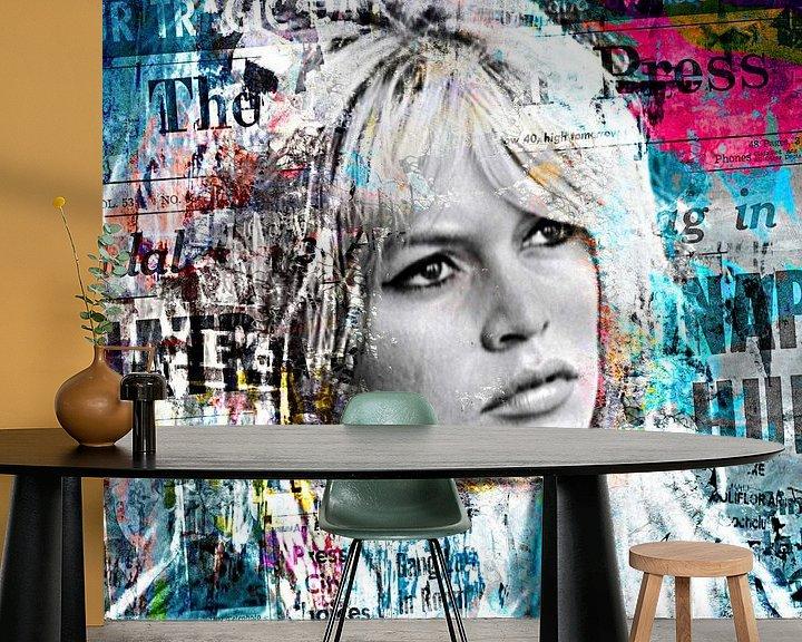 Beispiel fototapete: Brigitte Bardot dominates the papers von PictureWork - Digital artist
