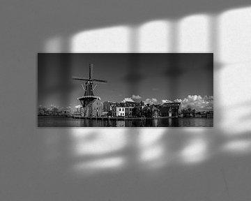 Panorama, Molen de Adriaan in zwart wit van Arjen Schippers