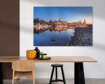 Abends in Dresden an der Elbe von Michael Valjak