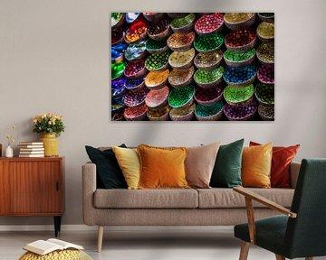 farbige Untertassen von Gladys van Schaijk
