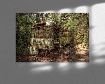 Urbex bus van Marian van der Kallen Fotografie