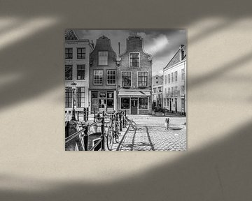 Stadsgezicht in zwartwit in Utrecht aan de Oudegracht von Petra Cremers