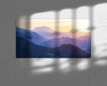 """Berglandschap: """"Zonsondergang in SalzburgerLand"""" van Coen Weesjes"""