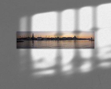 Panorama van Kampen gedurende zonsondergang met de IJssel van Daan Kloeg