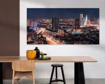 Spitsuur - Panorama Skyline Rotterdam sur Vincent Fennis