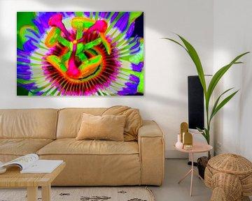 Big Neon Flower von De Rover