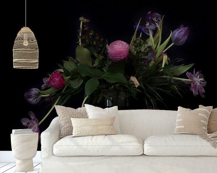 Sfeerimpressie behang: Stilleven met bloemen van Maerten Prins