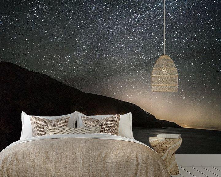 Sfeerimpressie behang: Great ocean road in de nacht van Anne Loman