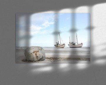 Boten op het strand van Marieke de Jong