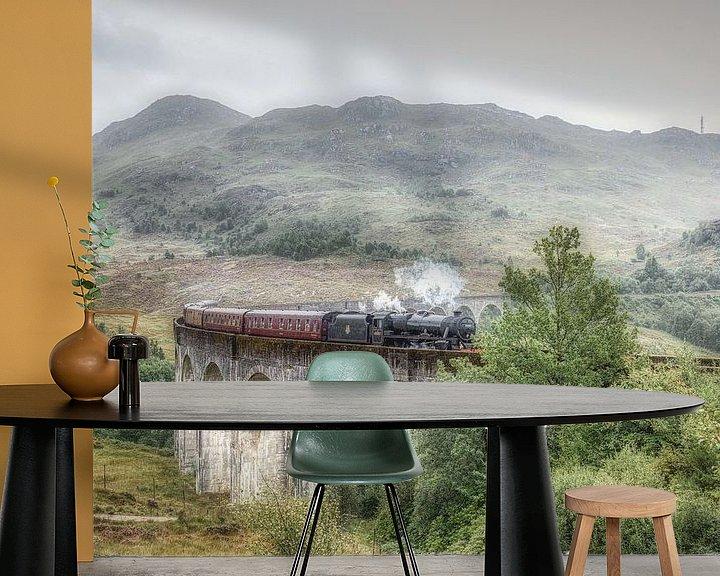 Sfeerimpressie behang: Harry Potter trein - Glenfinnan - Schotland van Mart Houtman