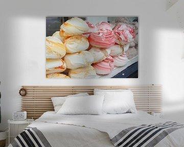 Merengues opgestapeld, roze en gele