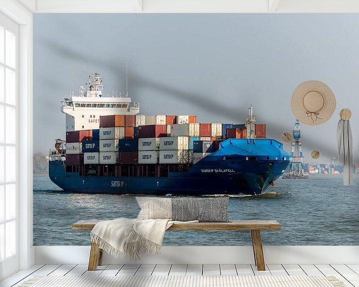 Sfeerimpressie behang: Containerschip onderweg naar de zee van Brian Morgan