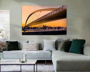 Hoge brug in Maastricht - Gouden uur von Photography by Karim