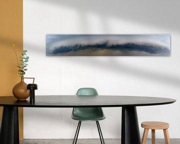 Arcus wolk met donder en bliksem aan de voorkant van een koufront van Sjoerd van der Wal