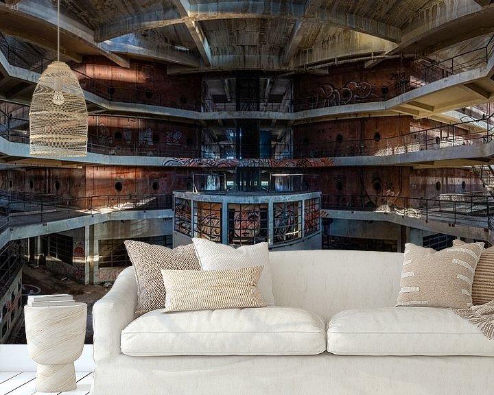 Sfeerimpressie behang: Verlaten wijnkelder van William Linders