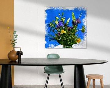 Boeket  Voorjaarsbloemen op kleurrijke blauwe achtergrond von ellenilli .