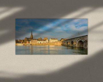 Maastricht in het avondlicht van Michael Valjak