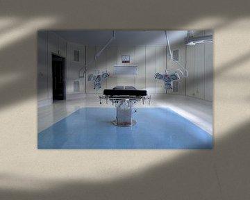 Verlaten operatietafel van Kristof Ven