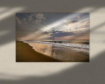 Zon, zee, zand en wolken van Dirk van Egmond