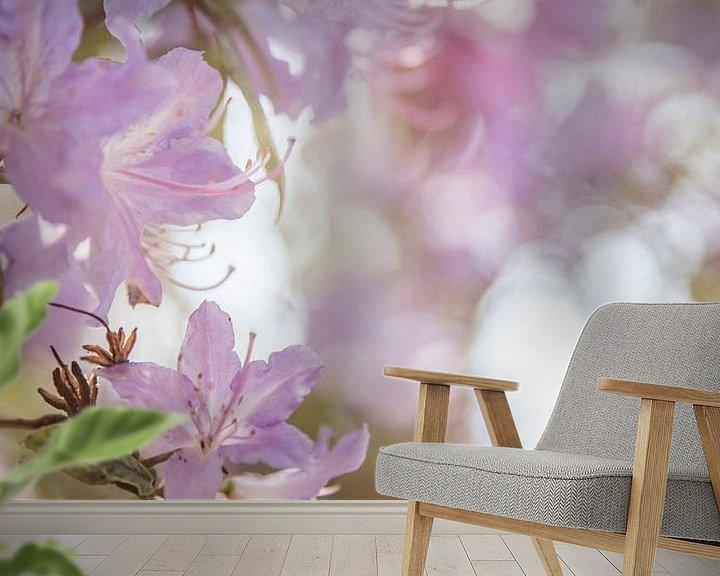 Sfeerimpressie behang: Weißer Rhododendron Mönchengladbach van Nicolas Lebeau
