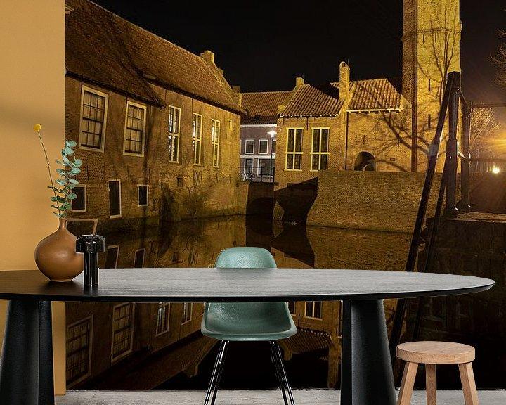 Sfeerimpressie behang: Amersfoort bij nacht van Gertjan Hesselink
