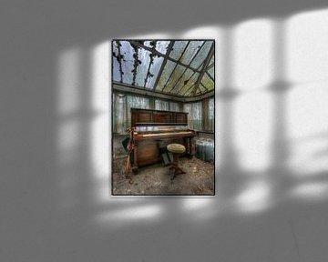 Old Piano von Kurt Dendooven