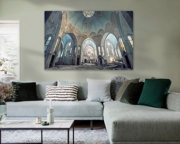 verlaten imposante kerk van Kristof Ven
