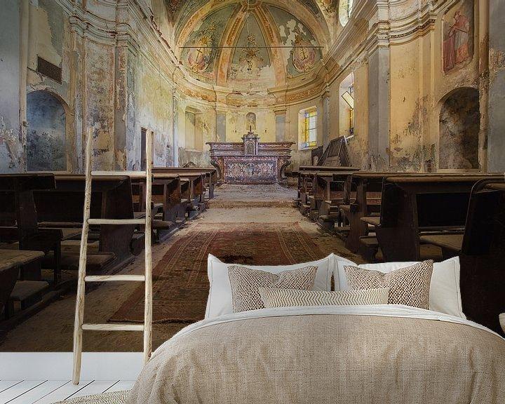 Beispiel fototapete: verlassener Altar in einer Kirche von Kristof Ven