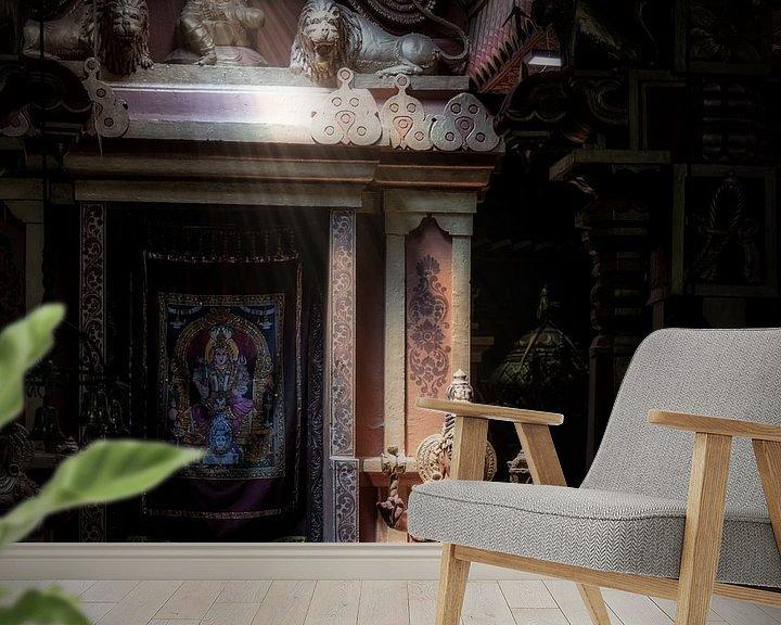 Sfeerimpressie behang: Godin vangt lichtstraal in mysterieuze hindu tempel van Eddie Meijer