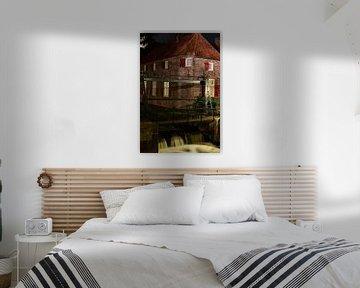 Een huisje en een stuw in Amersfoort van Gerard de Zwaan