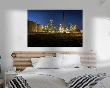 Raffinerie bei Nacht van Borg Enders