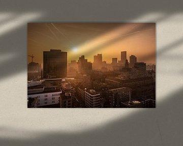 Zonsondergang vanaf de Laurenskerk | Rotterdam van Menno Verheij / #roffalove