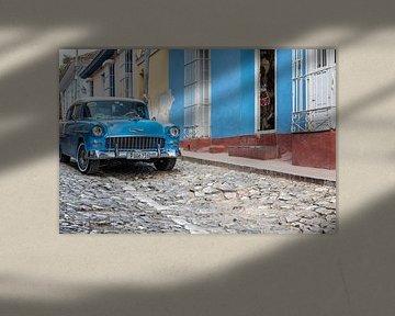 Blauwe Chevrolet in Trinidad
