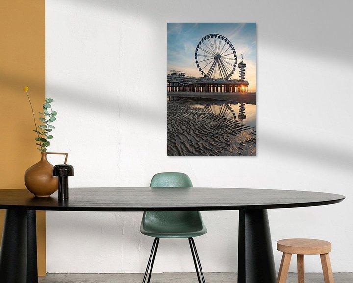 Sfeerimpressie: Pier Scheveningen reuzenrad bij zonsondergang vanaf het strand van Erik van 't Hof