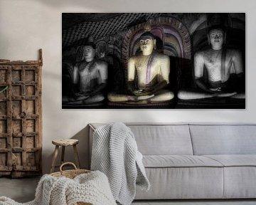 Drie boeddha's in lotushouding van Eddie Meijer