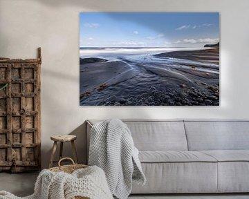 Dark beach with sand ribs van Ralf Lehmann