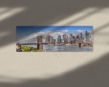 NEW YORK CITY Brooklyn Bridge & Manhattan Skyline | Panorama von Melanie Viola