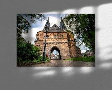 Porte de ville médiévale romantique dans la ville néerlandaise de Kampen sur Fotografiecor .nl