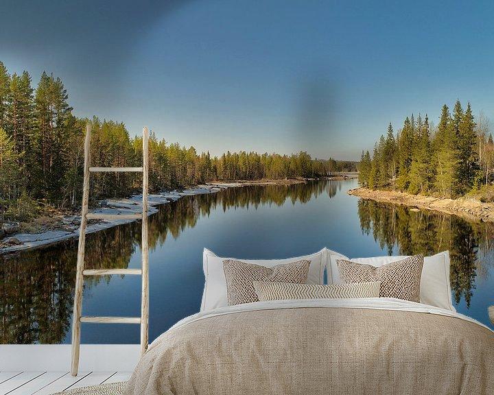 Sfeerimpressie behang: Spiegelbeeld in het water van Fields Sweden