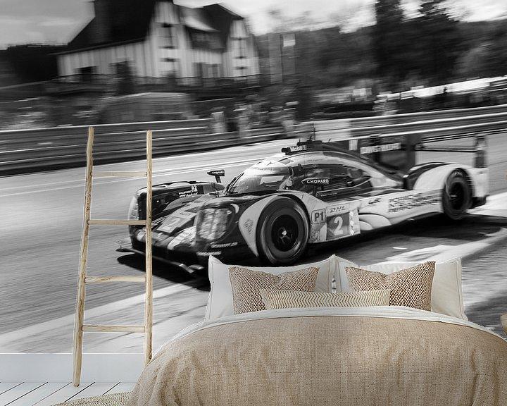 Beispiel fototapete: Porsche 919 Hybrid Sport-Prototyp-Rennwagen in Eau Rouge von Sjoerd van der Wal