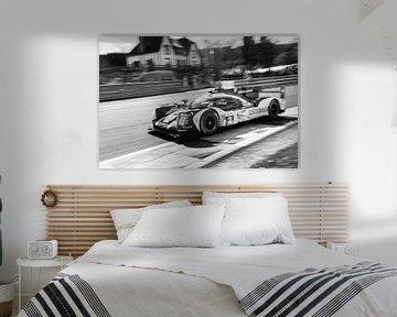 Porsche 919 Hybrid Sport-Prototyp-Rennwagen in Eau Rouge von Sjoerd van der Wal