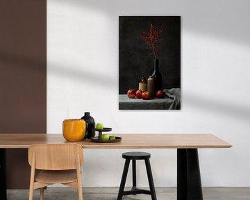 Stilleben mit Äpfeln und Possumhaw-Zweigen von Natalia Balanina