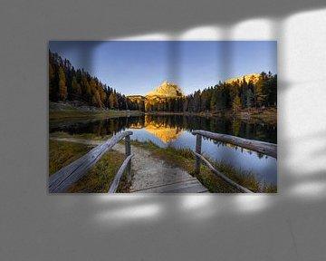 Brug naar Lago Antorno - Dolomieten, Italië van Thijs van den Broek