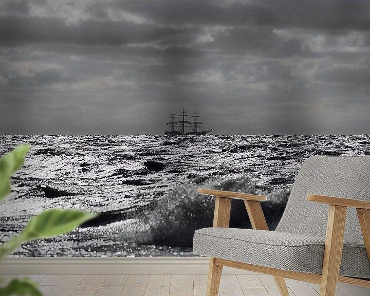 Sfeerimpressie behang: Driemaster op volle zee van Rob De Jong